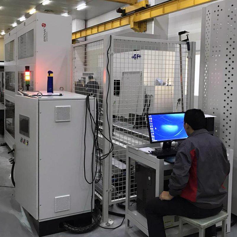 工业机器人外围料仓设备8